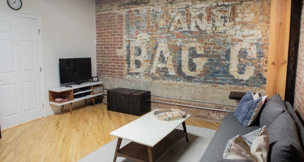 Jikoni Studios Studio B_Green Room Loung