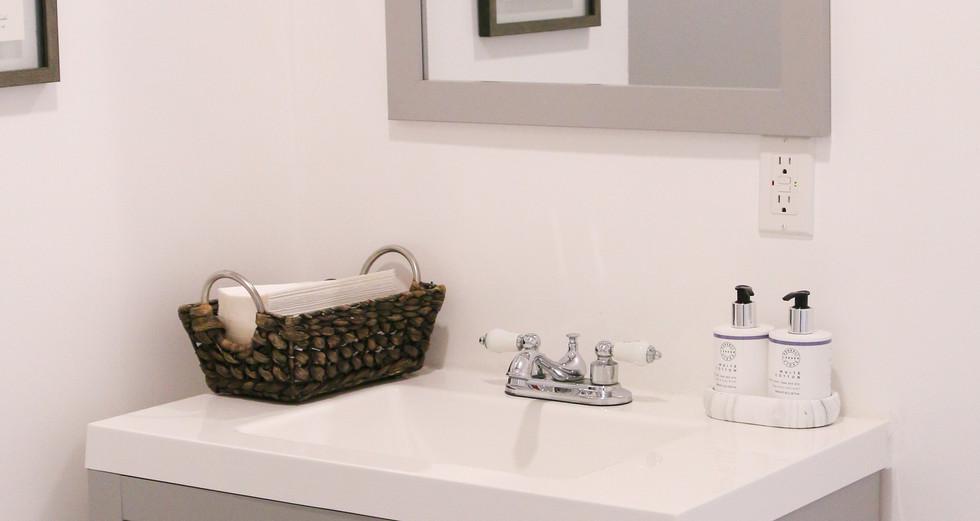 Studio B bathroom.jpg