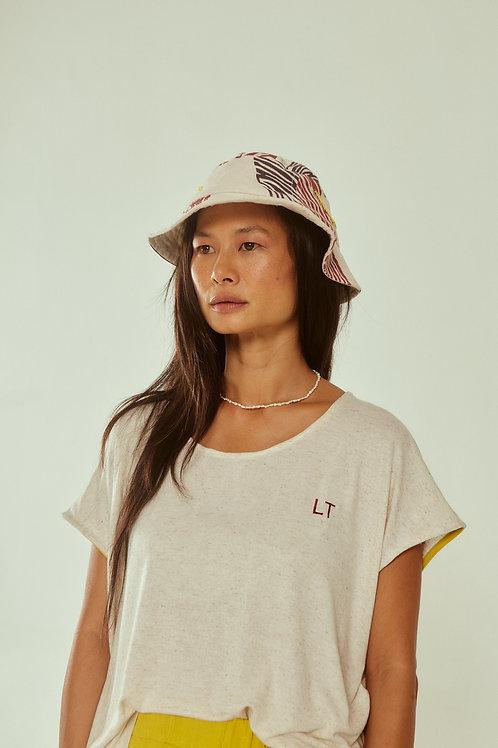 tshirt básica bordado iniciais