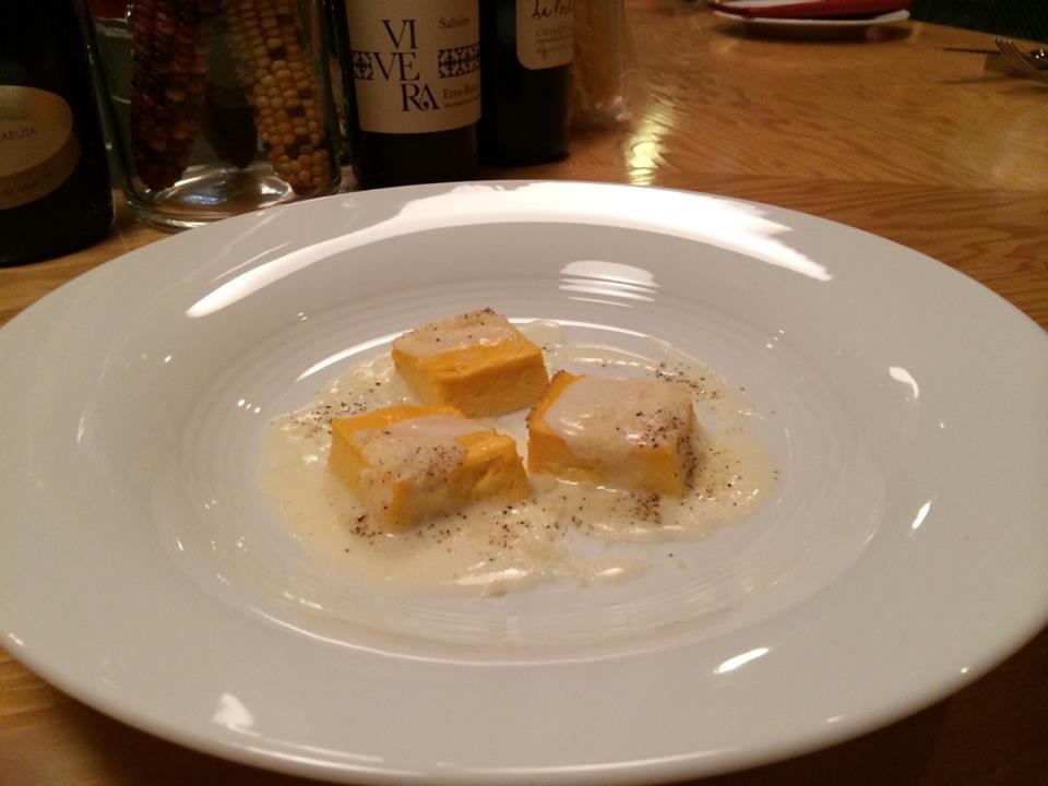 人参をピューレにしてプリン仕立てにしたスフォルマティーノにロビオラチーズ