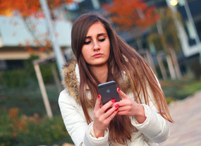 Texting on your smartphone could damage your spine - What can you do about it?