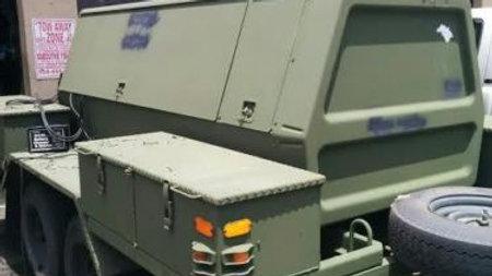 Ingersoll Rand CO. Rotary air compressor unit P-250-WDM portable