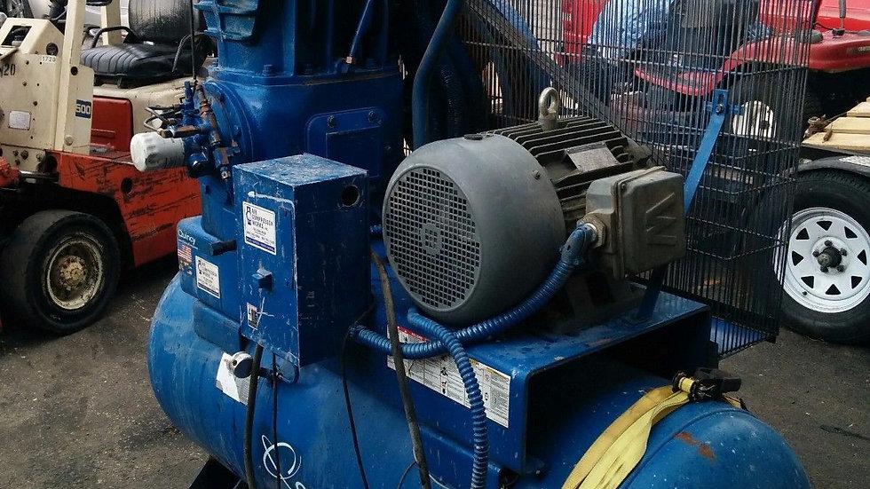 Quincy compressor 390