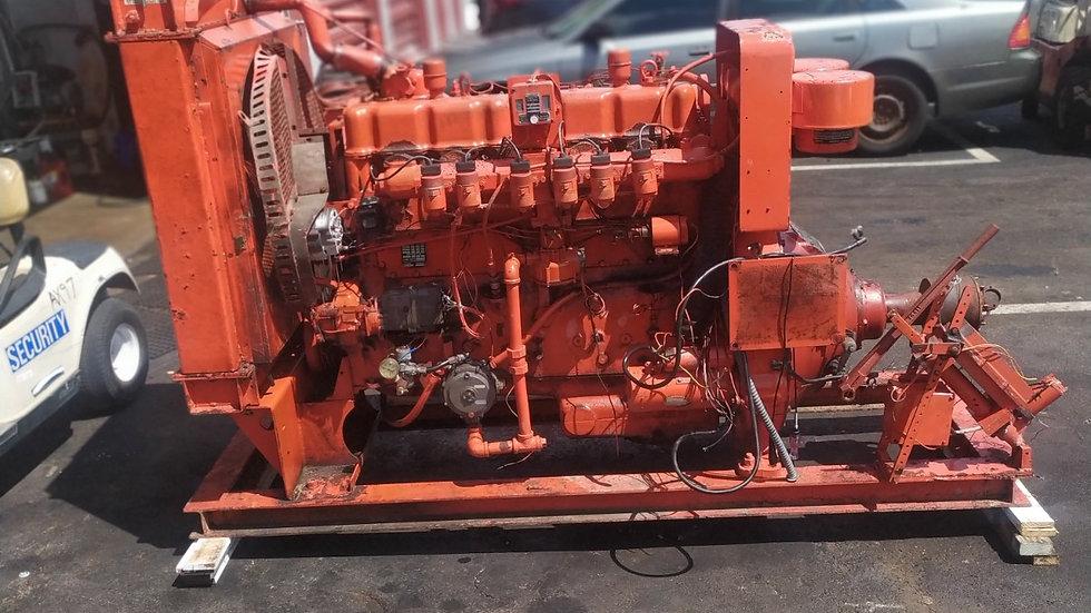 Engine Waukesha Gas F817GU, Runner good, excellent condition.