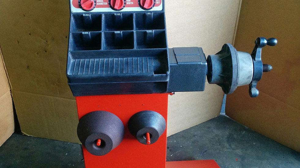 2000 Snap-On Wheel Balancer - Model WB250
