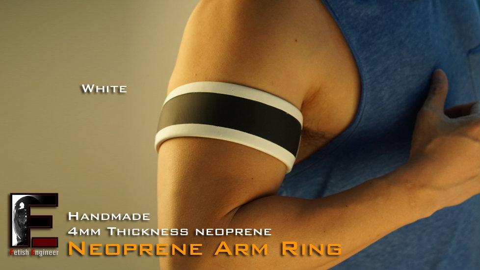 White Bag Edge Arm Ring
