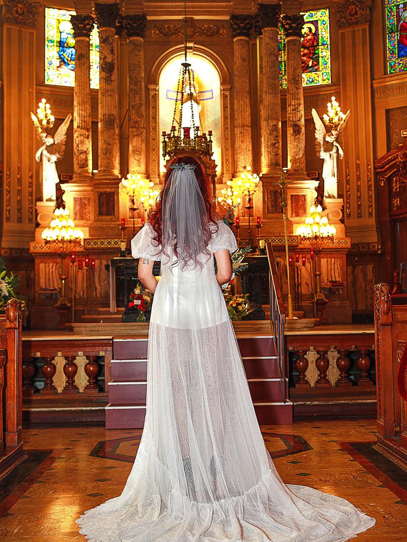 Fall-wedding-dress-ajustment--back-alley