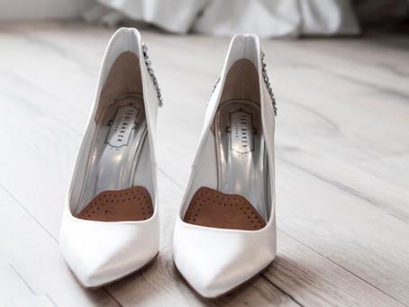 Des chaussures de mariage? Que porter sous votre robe? Qu'est-ce qui est disponible à Montréal?