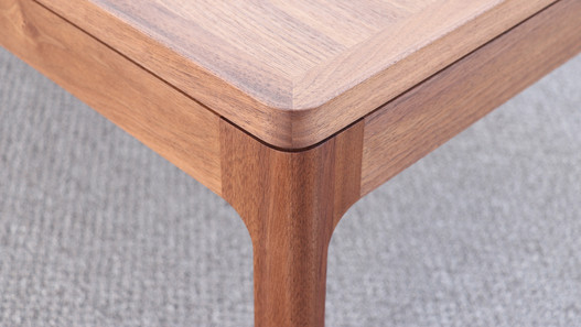 low table_walnut urethane coating