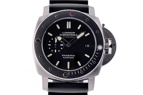 Panerai Luminor Submersible Amagnetic 1950 Black Dial 47mm Titanium