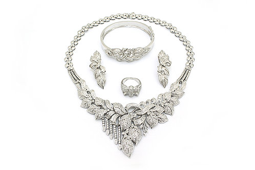 Leaf Designed White Gold and Diamond Full Set