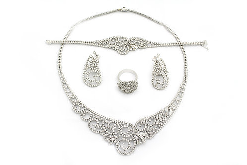 Circular Designed White Gold and Diamond Full Set