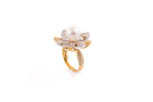 2 Tone Pearl and Diamond Flower Ring