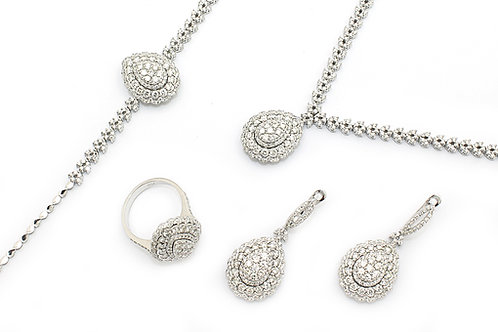 Pear Design White Gold and Diamond Set