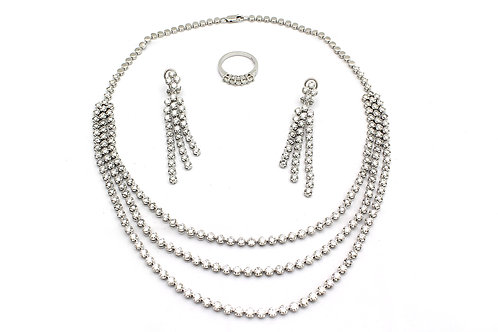 White Gold & Diamond Necklace, Earrings and Ring