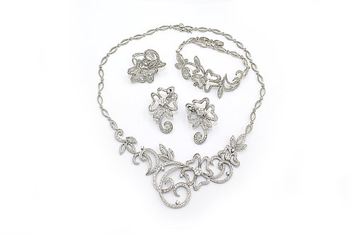 Clover Leaf Design White Gold Diamond Set