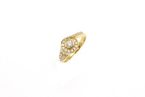 Concentric Design Diamond Ring