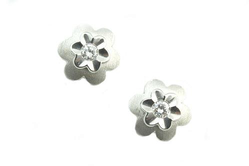 Matte Finish Flower Diamond Earring