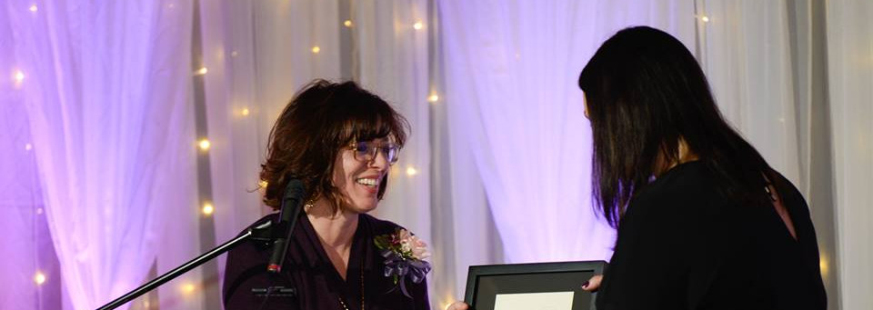 MJ City Councillor Presenting a gift to Norway Deputy Mayor Linda Otnes Henriksen