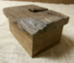 Barnwood Keepsake Box with Horse Rein Leather Hinge