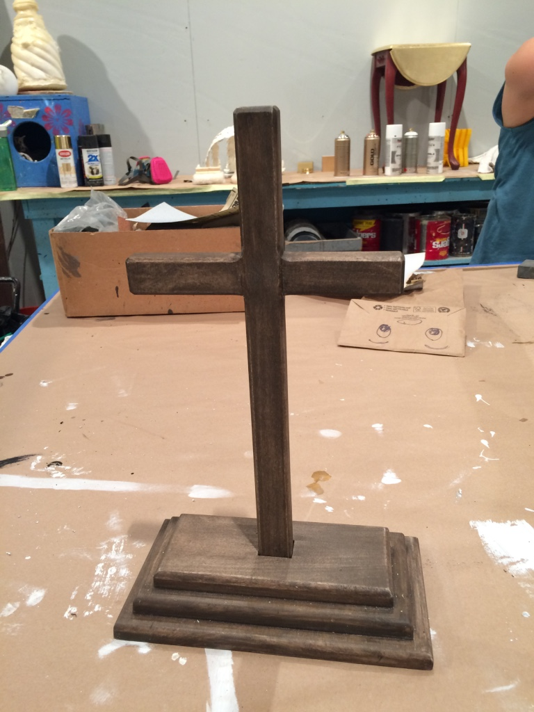 r&J desk cross