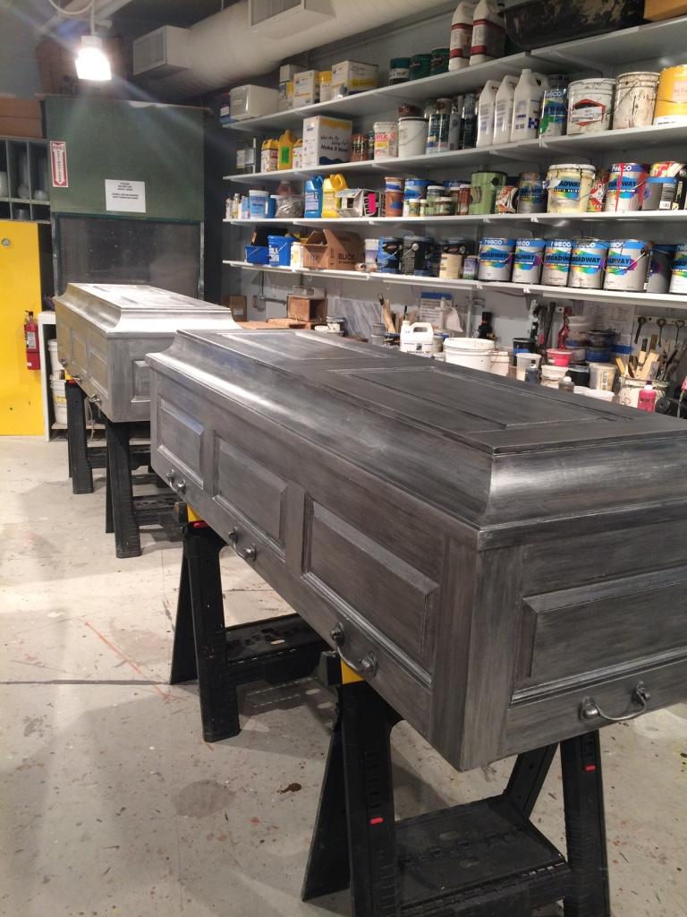 r&J coffins