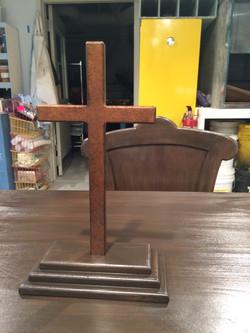 r&J desk cross