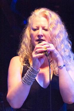 NORA_McCARTHY_SINGING___TRUMPETS_JAZZ_CLUB__NJ