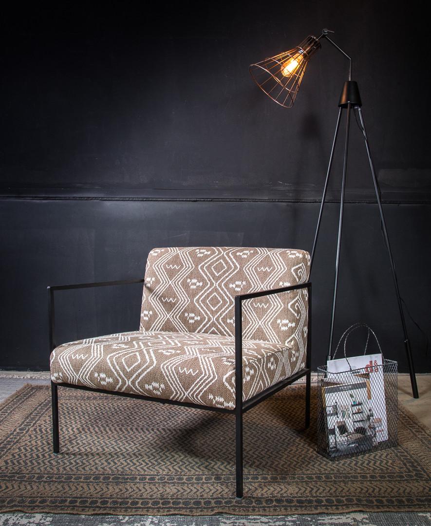 כורסא במראה קליל בבד אתני