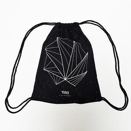 תיק גב החור / The Hole Drawstring Backpack