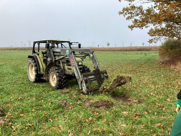 creuse au tracteur.jpg