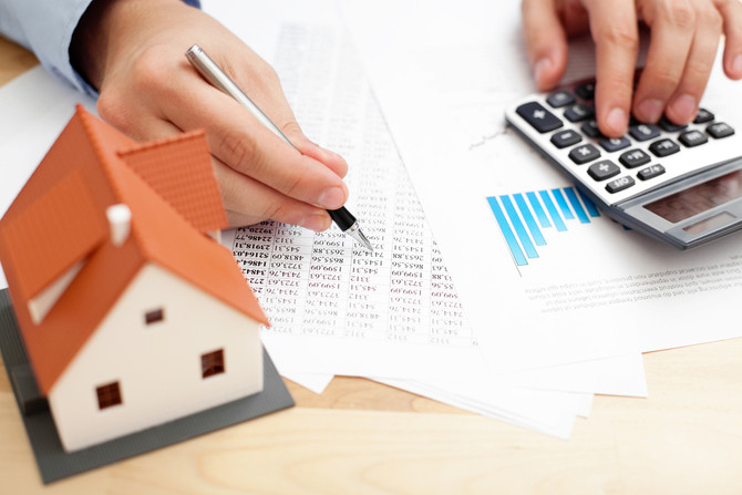 Wealth Hits 7-Year Low Due To Property Slump