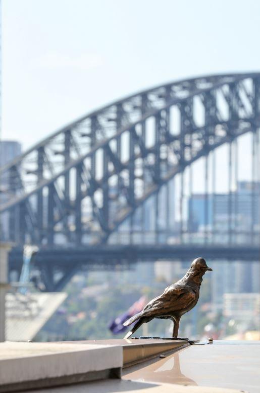 "Tracey Emin's delicate bronze birds to ""inspire hope"" in Sydney CBD"