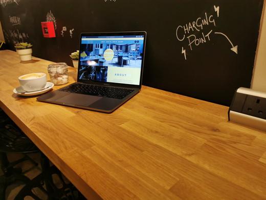 Laptop bench