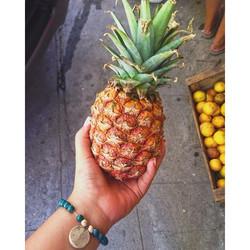 🍍 #farmersmarket #pineapple #fruit #collegefashionista