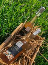 Licor tradicional de Albaricoque .100% natural. Licores Maria LUisa