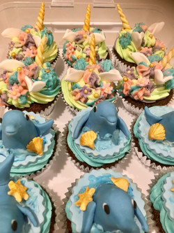 Dolphin and Unicorn cupcakes