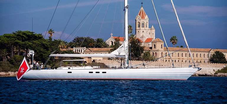 DIABLESSE-Sailing-Yacht-Exterior-Images-