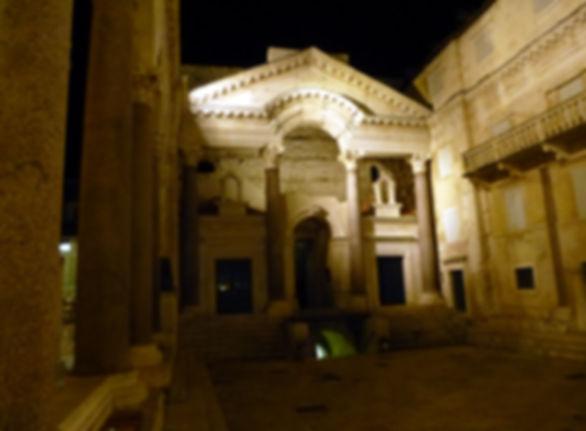 Split Peristyl