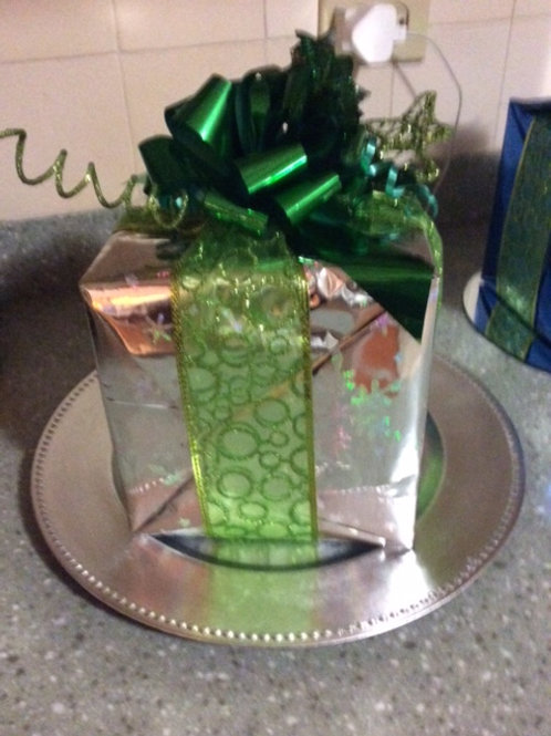 'Gift' Center piece
