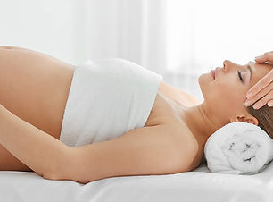 Little_Guest_Article_Pregnancy_Massage_5
