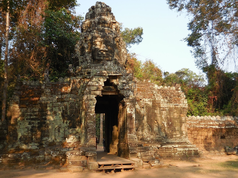 The gopura (or outer wall entrance) to Banteay Kdei