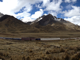 The turistic bus from Cusco to Puno - like being on an all day tour