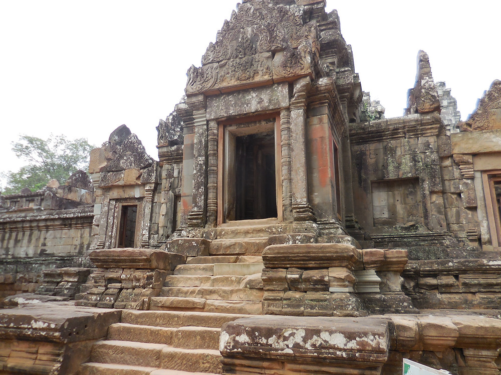 The entrance to Ta Keo before you reach the steps ascending to the upper level