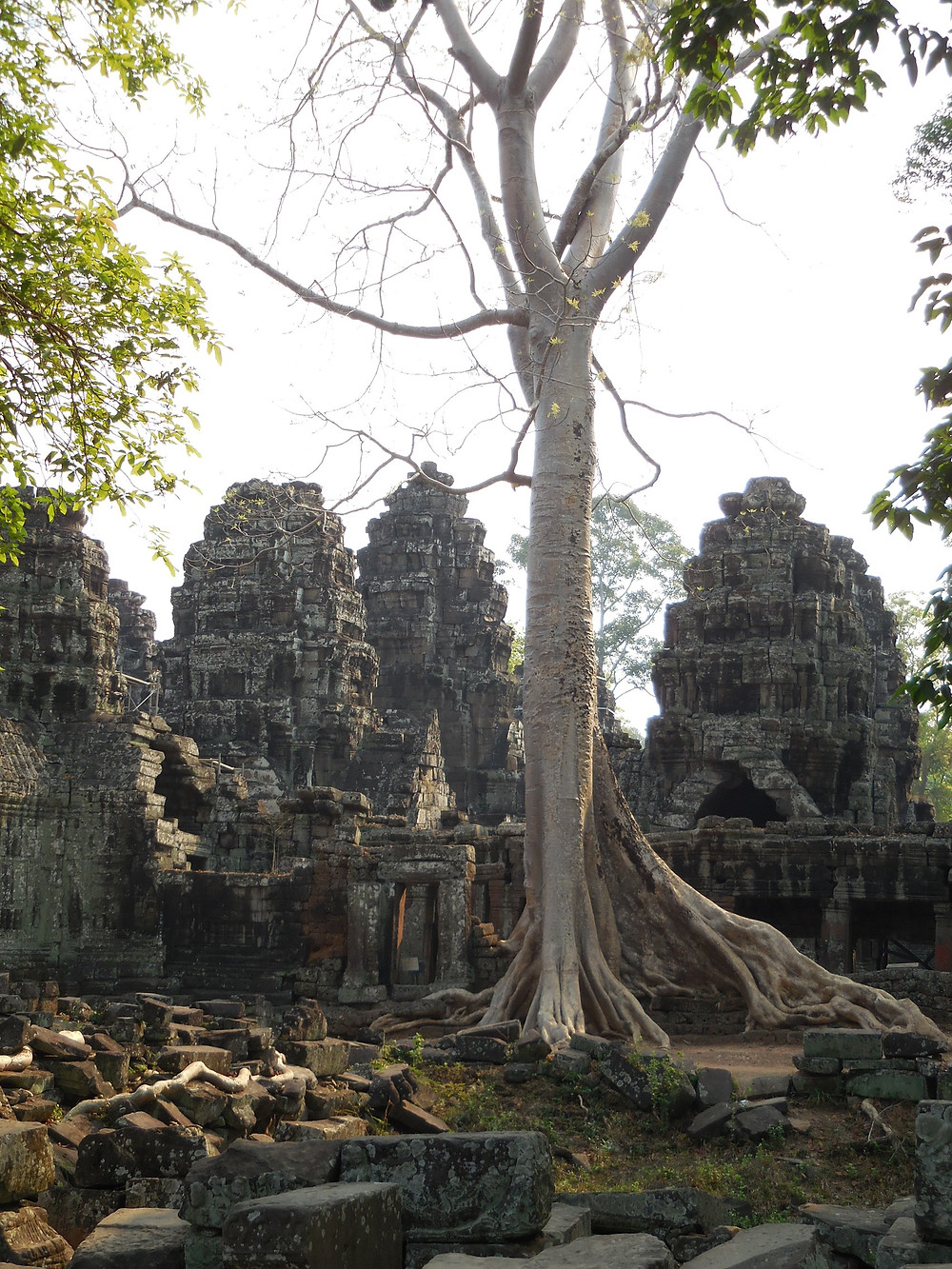 Looking at Banteay Kdei from the back side