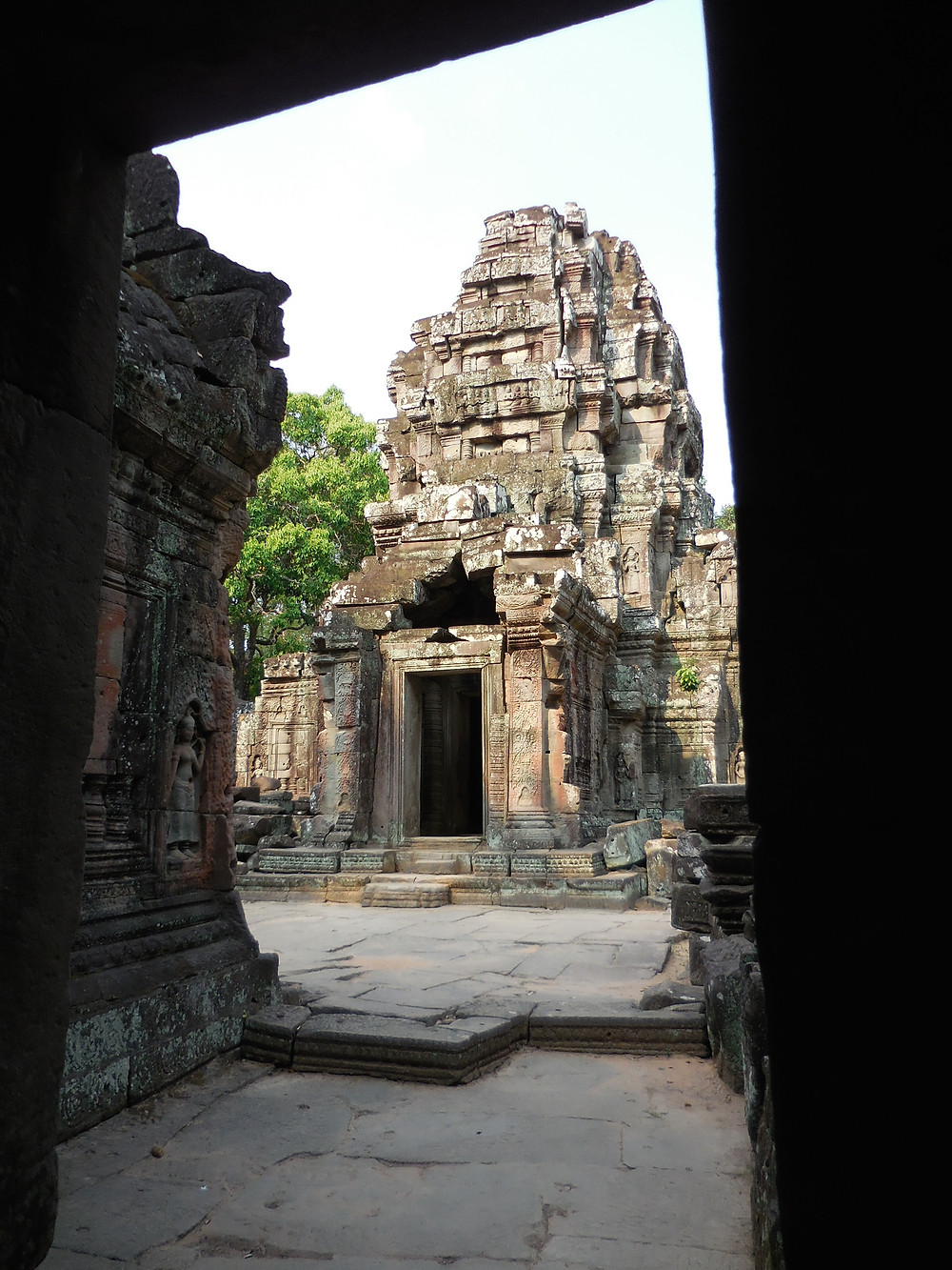 Built in the late 12th century, Ta Som has numerous corridors to walk through