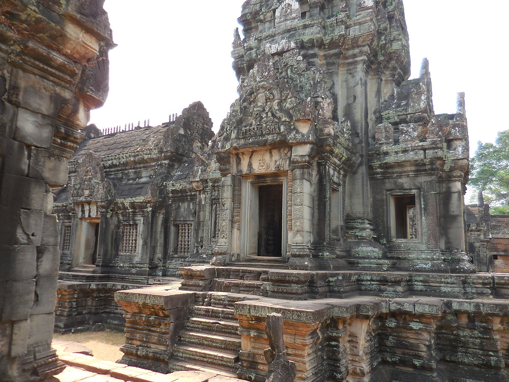 Some of the buildings at Banteay Samre