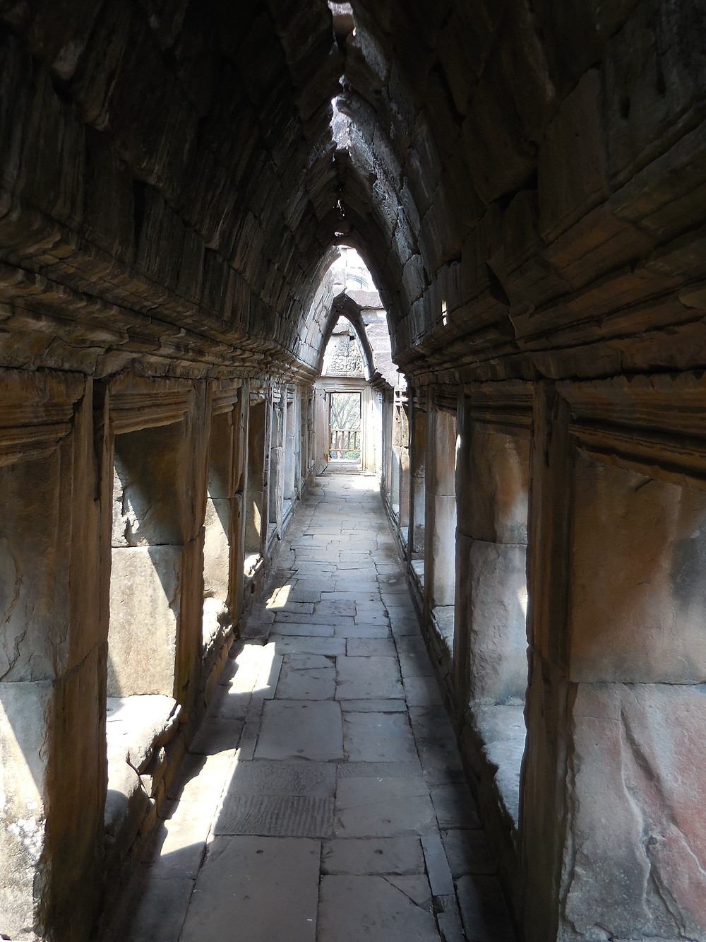 I just love all the corridors in the temples - especially when the sunlight filters through the openings