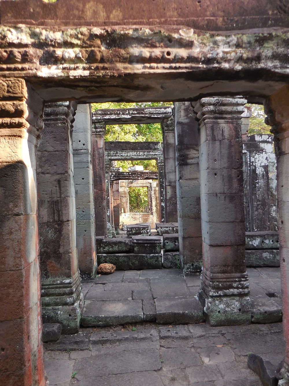 There are many corridors throughout Banteay Kdei
