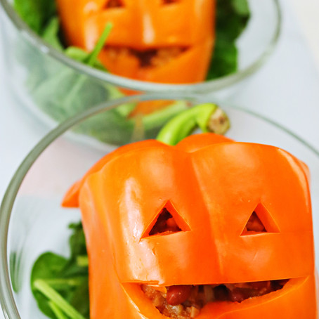 Chili Stuffed Jack-o-Lanterns (Vegan, low-carb, GF)